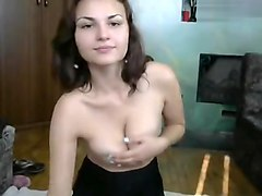 Naked babe Sweet-Alice dancing in front of webcam