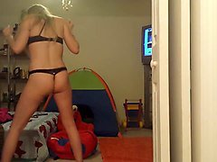 sexy leggy babe dancing seductively in amateur video